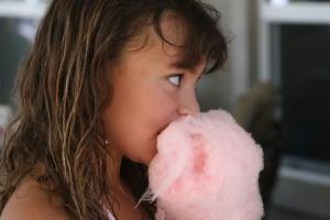 Algodon de azucar niña